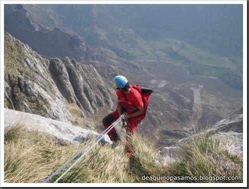 Via Intrusos 350m MD  7a  (6b A0 Oblig) (Alto Les Palanques, Picos de Europa) (Isra) 9099