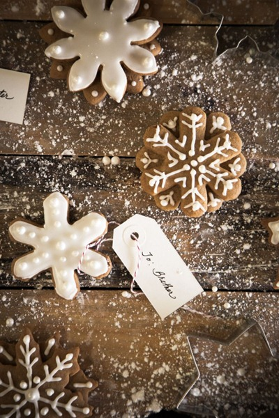 Gingerbread Snowflakes at Chasing Delicious