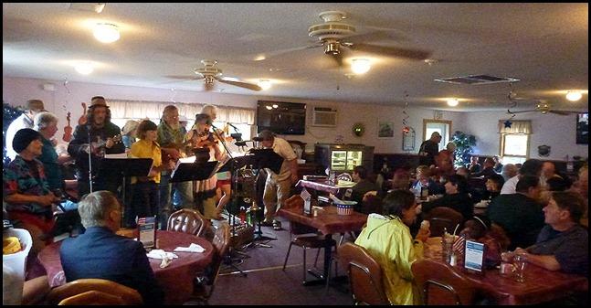 62 - Uncle Kippy's - Ukulele Band - Full House