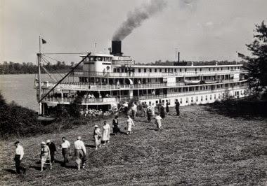 steamboat_docking_5774-2014-11-22-10-38.jpg