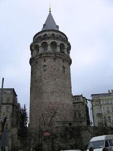 برج تاريخي في اسطنبول