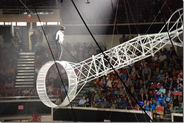 Circus 052