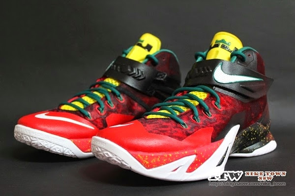 Zoom Soldier 8 in Black White Red and Yellow 688579016