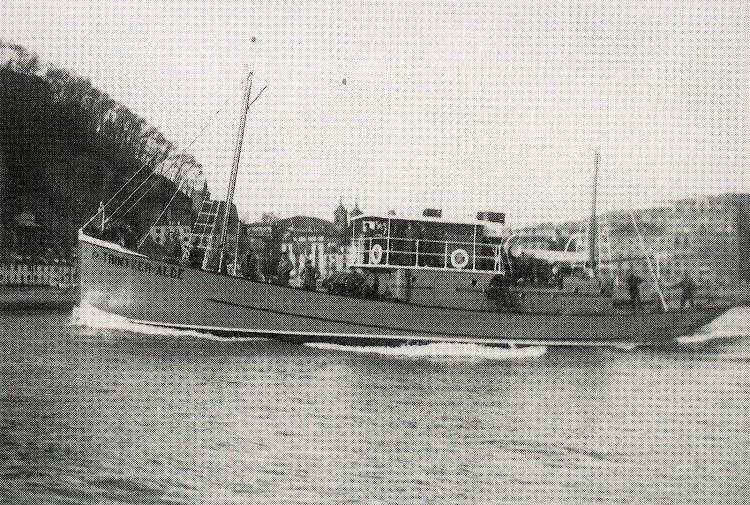 El TRINTXER-PE en pruebas. Del libro La Marina de Guerra Auxiliar de Euzkadi.jpg