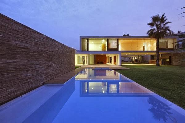 fachada-casa-moderna-Casa-La-Planicie-II-por-Oscar-Gonzalez-Moix-3