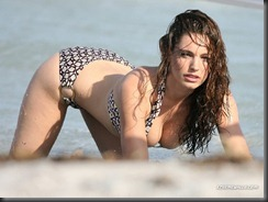 kelly-brook-284-01