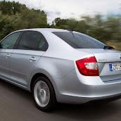 2013-Skoda-Rapid-Sedan-11.jpg