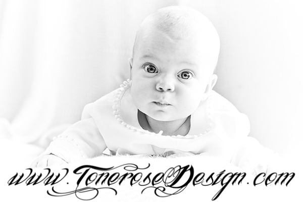 red IMG_8124 2 lysere bw fotografere dåpsbarn