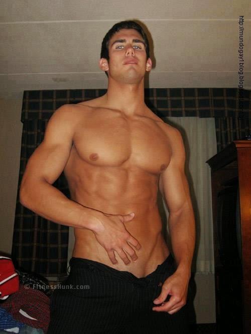 Планшете член на мужчина смотреть свой дрочит красивый мускулистый