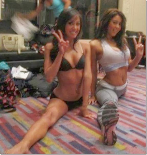 girls-stretching-yoga-044