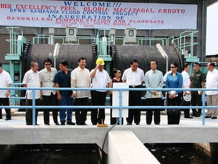 Inauguration of Bangkulasi Pumping Station and Floodgate in Navotas back in 2008 - JustAnotherPixel.net