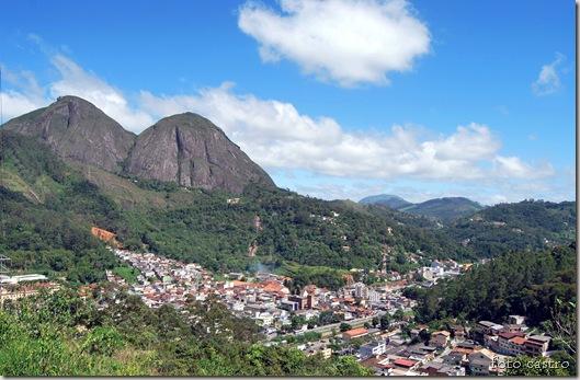 village_duas_pedras_foto_castro