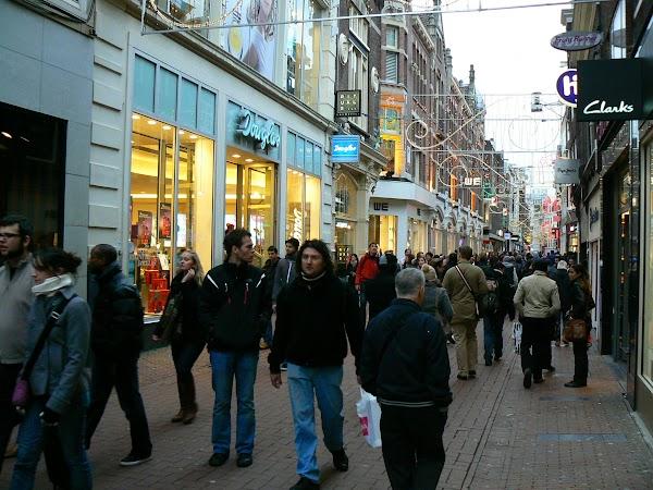 Obiective turistice Olanda: Kalverstraat, Amsterdam