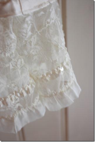 Håndlaget dåpskjole heklet blonder IMG_2068