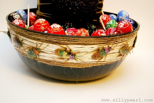 HalloweenCandyBowl