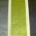 Tkanina obiciowa, trudnopalna. Pluszowa. Motyw geometryczny - pasy. Szara, zielona.