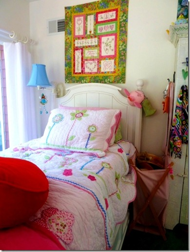 girl's bed2a