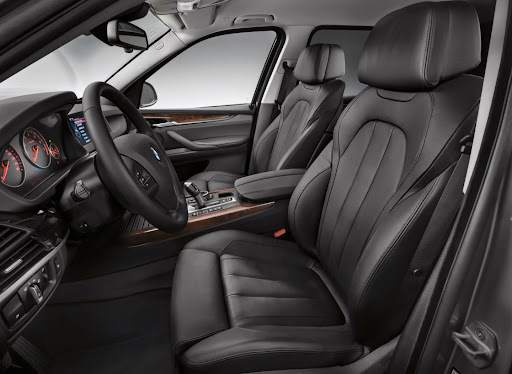 BMW-X5-05.jpg