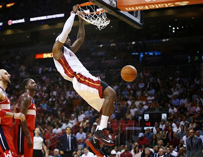 lebron james nba 140310 mia vs was 03 LeBron James Debuts Nike LeBron 11 Low in Black and Red