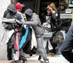 Грабежи на улицах города