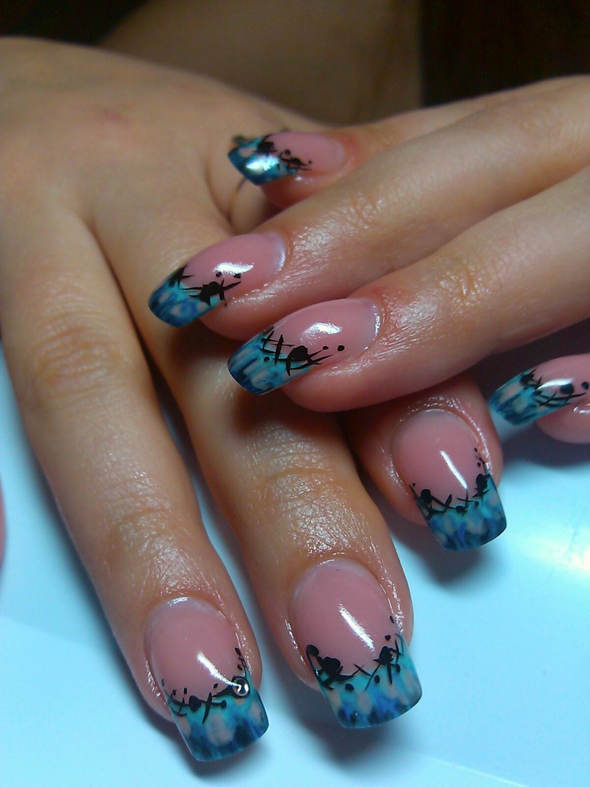 Френч цветной на ногтях с рисунком фото