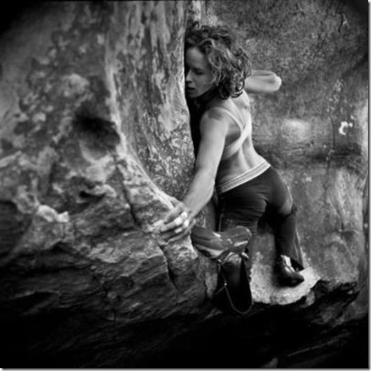 girls-rock-climbing-20