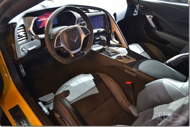 Corvette-Z06-interior-at-NAIAS-2014