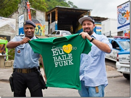 Comandante da UPP Tabajaras, capitão Joacir Virgílio, recebe visita do organizador do Eu Amo Baile funk