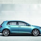 2013-Volkswagen-Golf-7-6.jpg