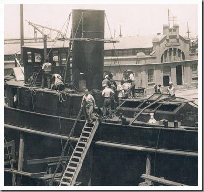 Astilleros en el puerto de Valencia, 1935