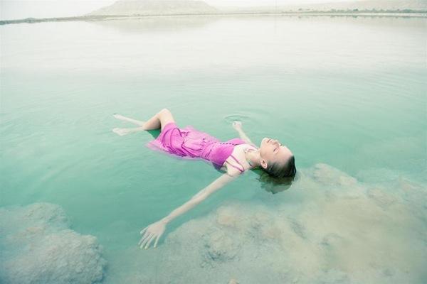 8-twentyfoursevenלוק בוק float away צילום אלון שפרנסקי (5)