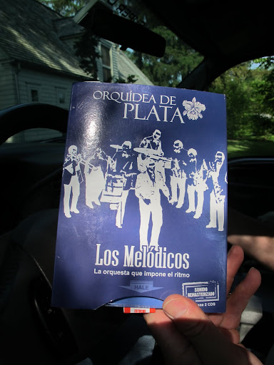 Los Melodicos - La orquesta que impone el ritmo - They have 4 saxophones, 3 trombones, trumpets, piano, bass, drums and percussion, plus 4 Singers!  That's about 20 artists on stage!