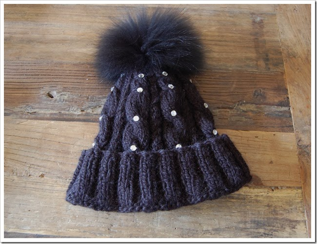 ALPINE ANGEL BLACK APACA BEANIE1
