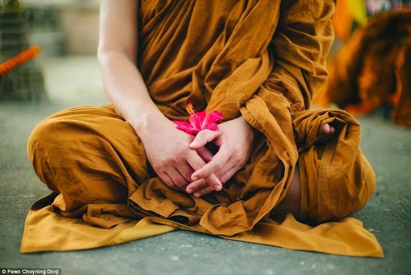 Phóng sự - phóng sự ảnh - Phật giáo thế giới - Người Áo Lam - 013