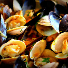 Steamed Mussels and Clams in White Wine