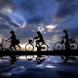 mulih irit-iritan by Indra Prihantoro - Transportation Bicycles
