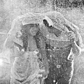 rainy day by Franz Francisco - People Couples (  )