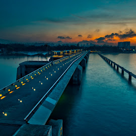 Good morning - The Marina Barrage , Singapore. by John Chung - City,  Street & Park  Skylines
