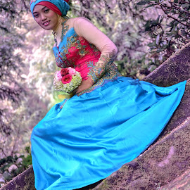 Java Hijab I by Ilham Mifta - People Fashion ( expression, affection, smile, hijab )
