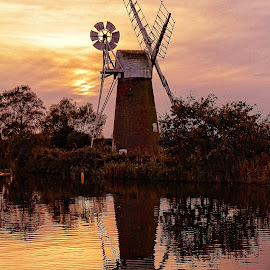 How Hill Windmill Norfolk by Edwin Williams - Buildings & Architecture Other Exteriors