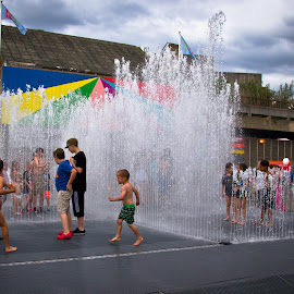 by Darrell Raw - City,  Street & Park  Fountains