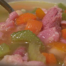 Cosy Ham-And-Bean Soup