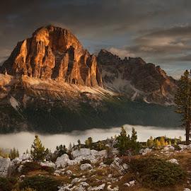Tofana de Rozes by Daniel Řeřicha - Landscapes Mountains & Hills ( passo falzarego, autumn, tofana di rozes, dolomites, mourning, alps )