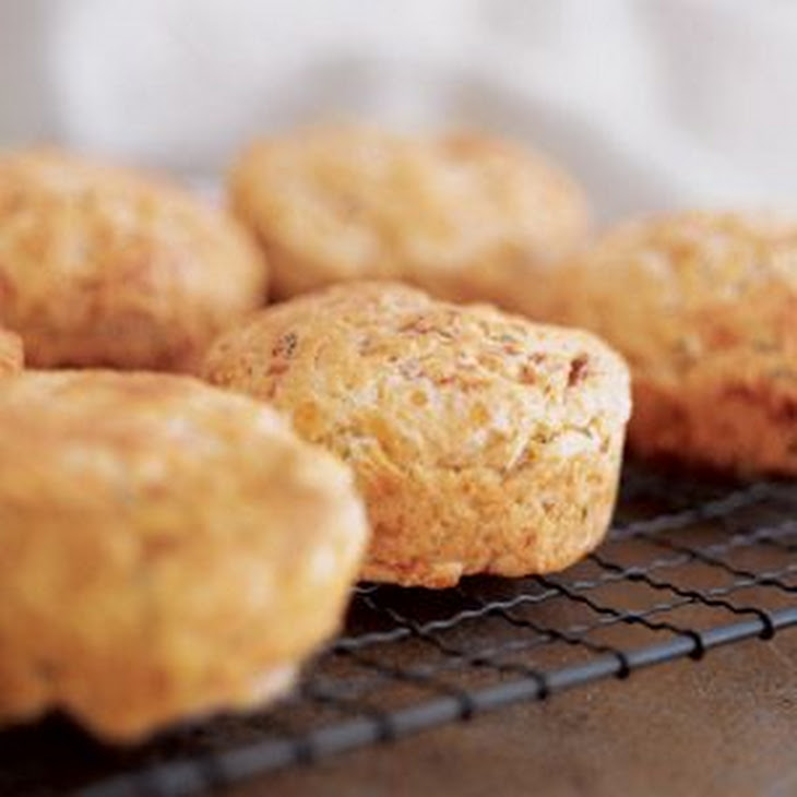 Cheddar-Bacon Biscuits Recept | Yummly