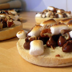 Nutty Chocolate and Marshmallow Mini Pizzas
