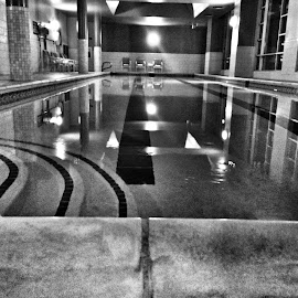by Julie Dabour - Sports & Fitness Swimming