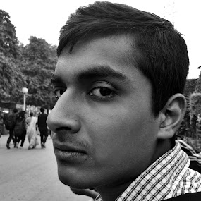 Unusual expression  by Sidd Harth - People Portraits of Men ( mobilography, iitf2014, black and white, people, portrait )