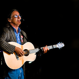 Dougie Maclean 2 by Don Alexander Lumsden - People Musicians & Entertainers