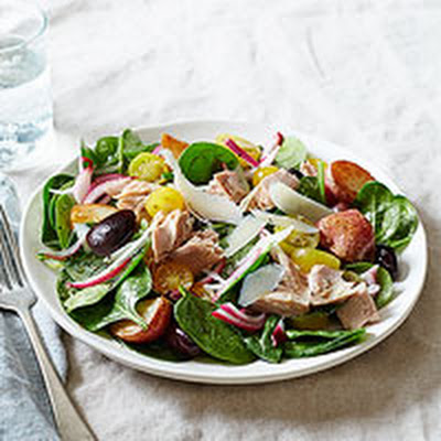 Tuna & Tomato Spinach Salad