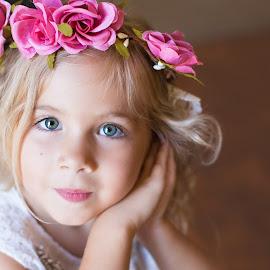 by Liz Straight - Babies & Children Child Portraits